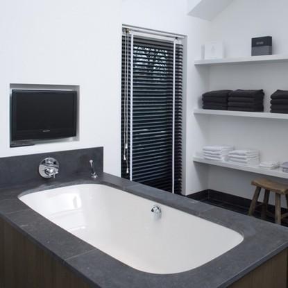 Raamdecoratie-ideeen-badkamer